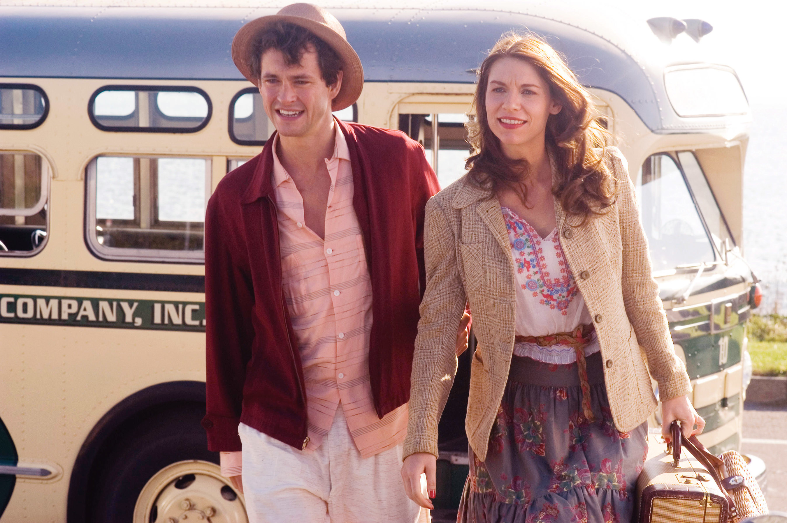 Ann and Buddy get off the bus