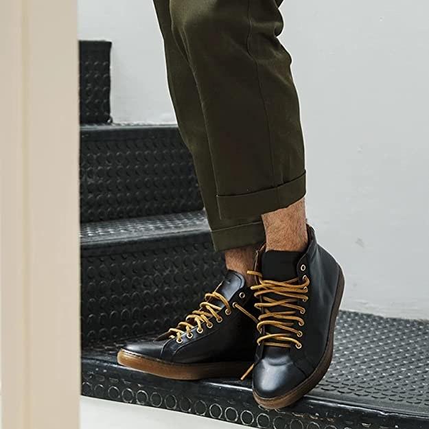Tenis tipo bota