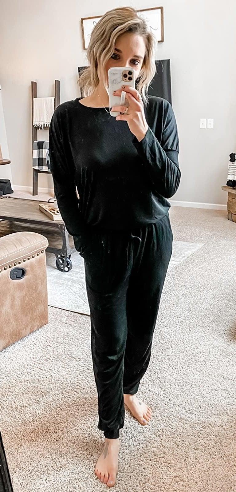 Reviewer wearing black set