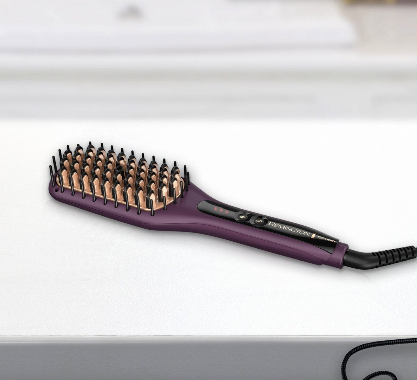 A heat straightening brush