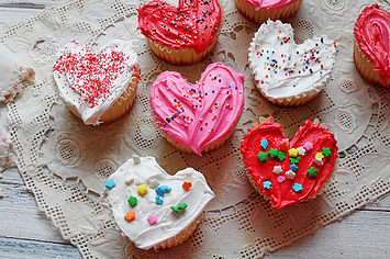 21 valentine cupcakes that will make your coworkers love you - Valentine Cupcake