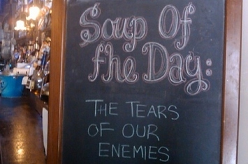 18 Funny Restaurant Signs