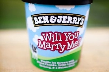 26 adorably unusual ways to propose to someone