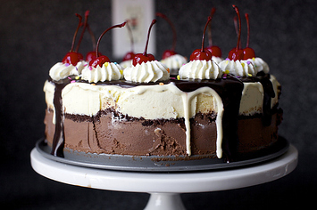 31 Truly Beautiful Ice Cream Cakes
