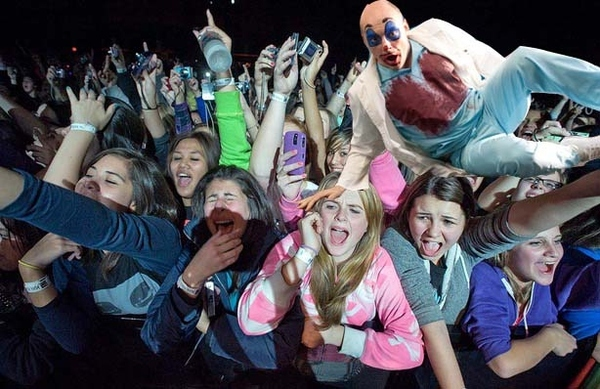 Crowd Surfing at Bieber