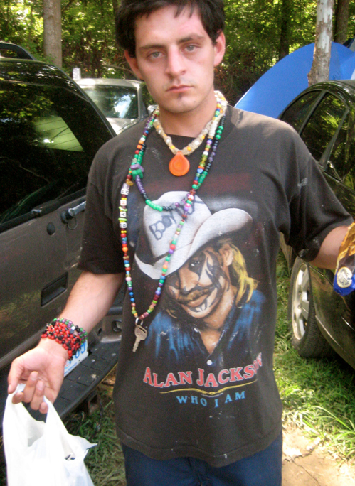 This is what Alan Jackson looks like with clown paint.