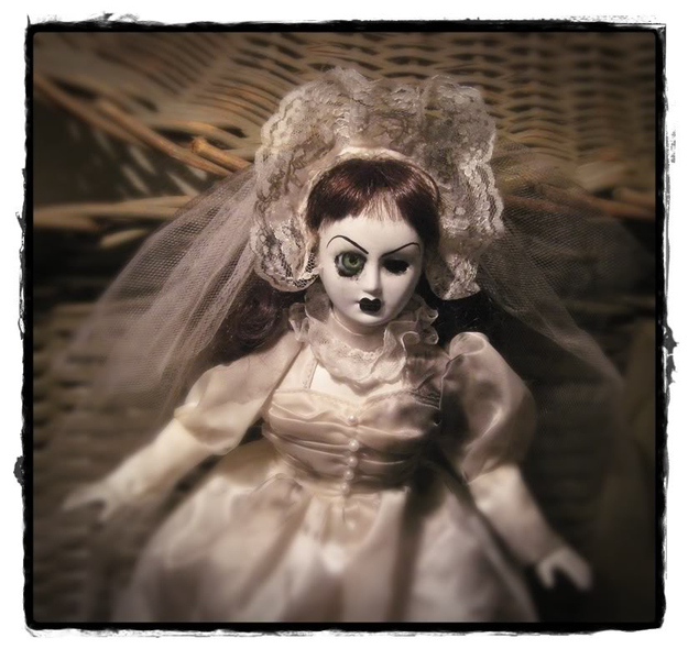 Spooky Bride with one Eye