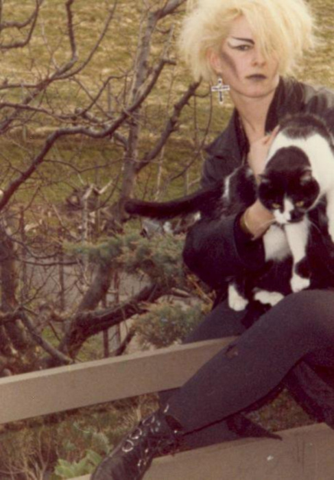 Goth with a Kitty