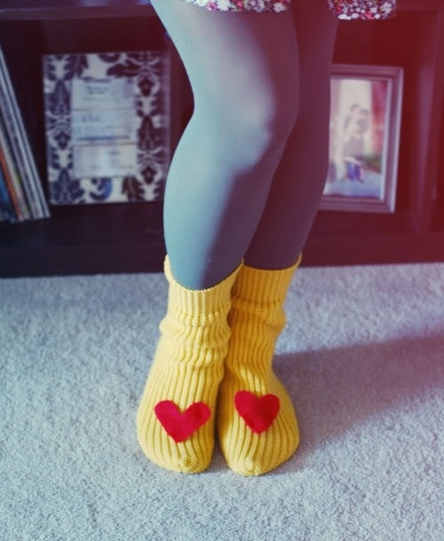 Make these sweater sleeve slippers:
