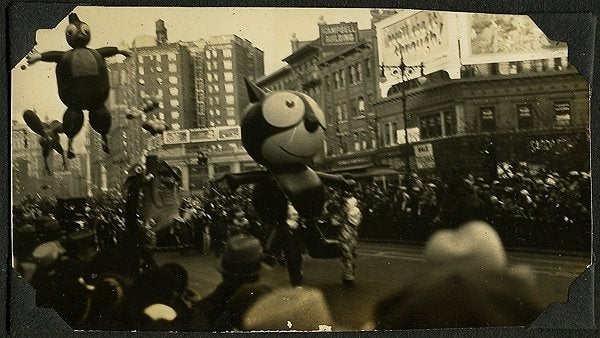1927 Felix the CatMacy's used to release the balloons after the parade was over. Tickets were attached with a reward of $100 for the return of the balloons. That was a fairly nice reward. As an example, a cost around that time period, for a new stove could range from $30 to $60. A nice radio could cost $15 or a new ice box about $30.