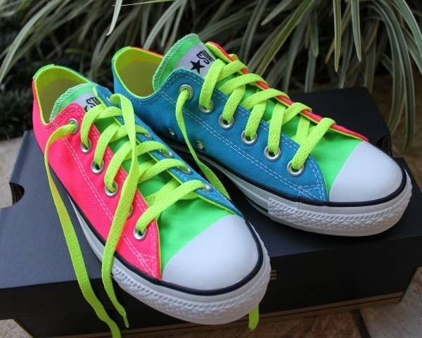 b3bcbd6581bb 30 DIY Ways To Jazz Up Your Converse Sneakers