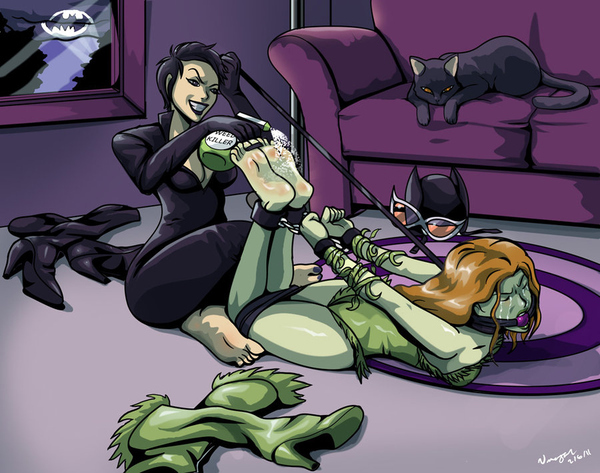 Umojar (what is up with Poison Ivy/Catwoman bondage?