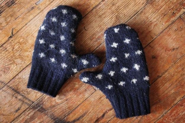 Sweater mittens: