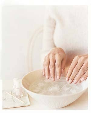27 nail hacks for the perfect diy manicure 1 use ice water to dry your nails in three minutes solutioingenieria Image collections