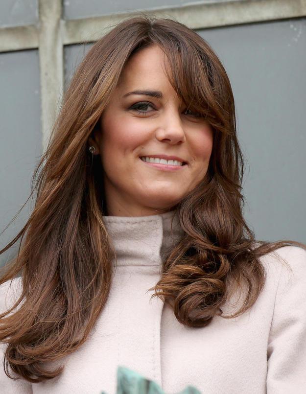 15 Photos Of Kate Middleton's New Haircut