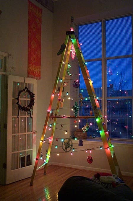 38 fabulous diy christmas trees that arent actual trees 5 repurpose a ladder solutioingenieria Images