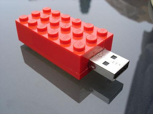 13. Lego USB