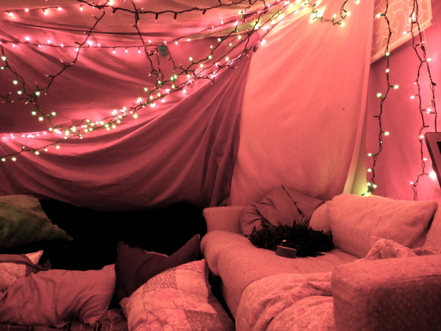 how to make a fort in your bedroom