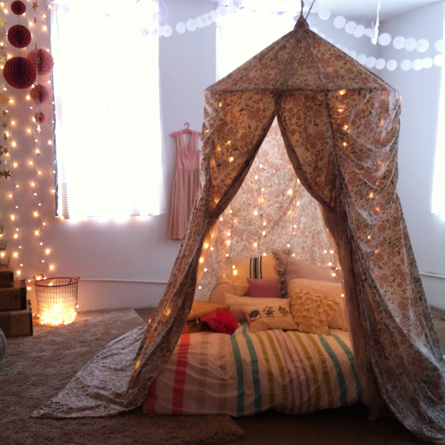 Share On facebook Share ... & 5 Steps To Building Your Own Epic Blanket Fort