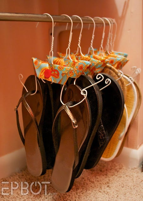 Learn how to make these hangers here.