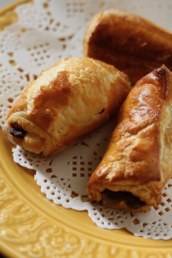 Make easy chocolate breakfast rolls.