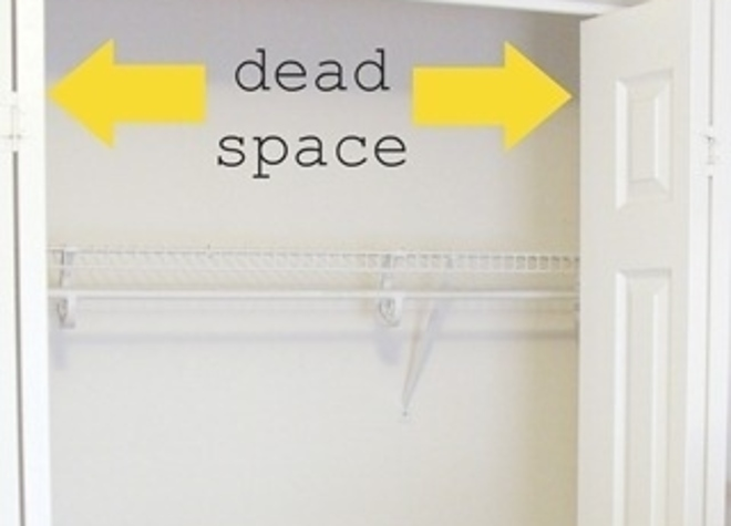 25 brilliant lifehacks for your tiny closet No closet hanging solutions