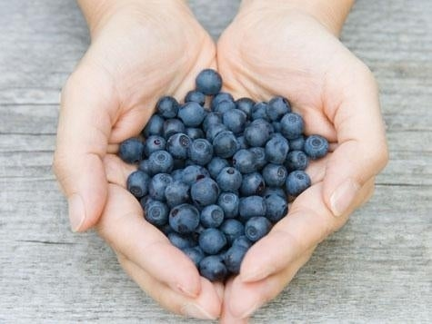 These little guys give your body a huge antioxidant boost. In fact, studies show that blueberries can triple your rate of recovery after intense workouts.