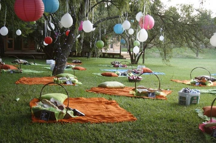 For An Outdoor Wedding Instead Of Having Tables Set Up Picnic Blankets