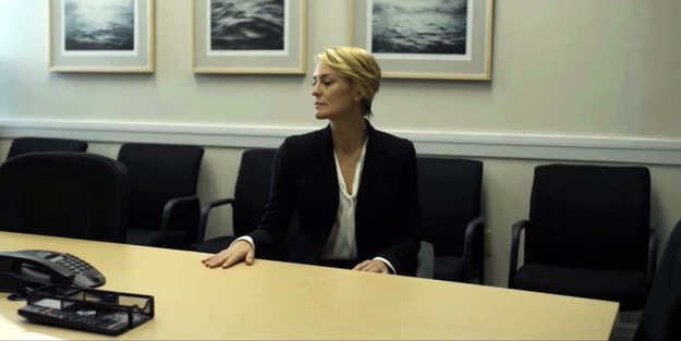 """ysl chyc cabas price - 13 Reasons Claire Underwood Of """"House Of Cards"""" Is A Fashion Icon"""