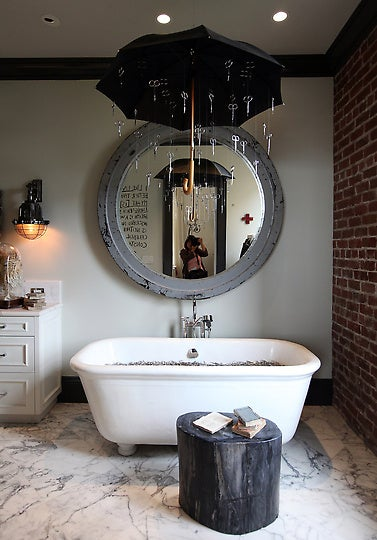 Bathroom Designs With Shower Curtains 27 clever and unconventional bathroom decorating ideas