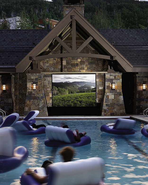 A Swimming-Pool Movie Theater
