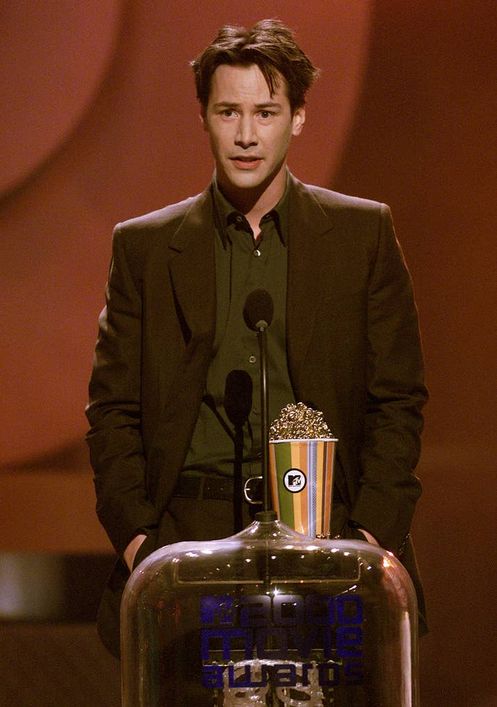 Keanu Reeves winning a MTV Movie Awards