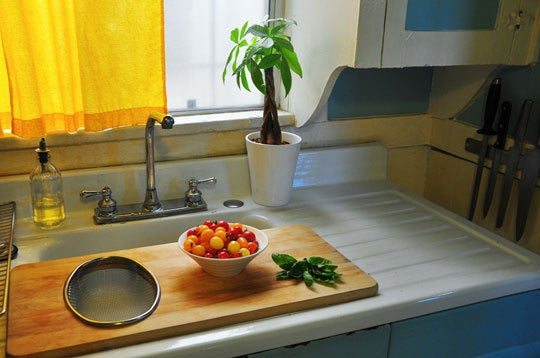 Kitchen Counter With Food 27 lifehacks for your tiny kitchen