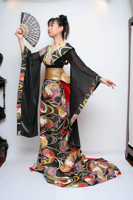 10 Classy Wedding Dresses Made From Japanese Kimonos