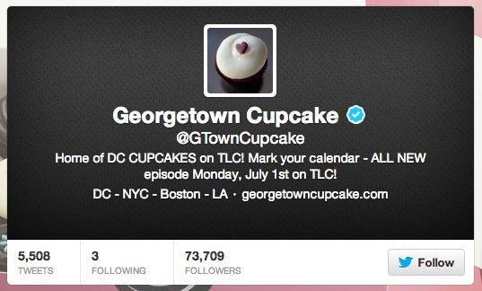 Giving away 600 cupcakes every day may sound like a bad business model, but not when it's earning you thousands and thousands of Facebook fans and Twitter followers. The online discussions surrounding each new cupcake giveaway are remarkable. Who wouldn't Tweet/post/Instagram their free Strawberry Lava Fudge cupcake?