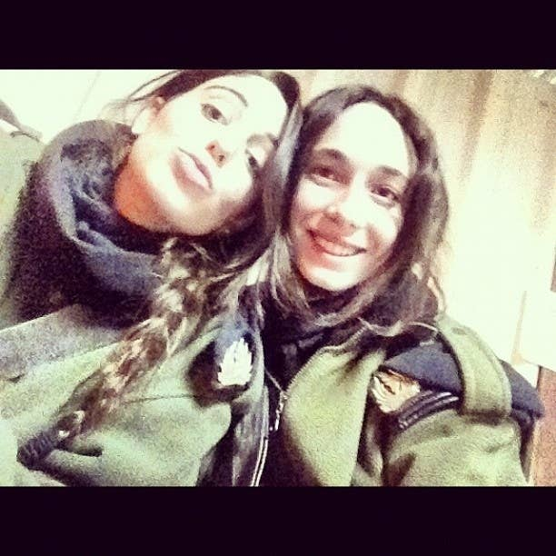 """#idf #israel #army #soldier #life #like #girl #girls מצאנו זמן לסגור שבת..."""