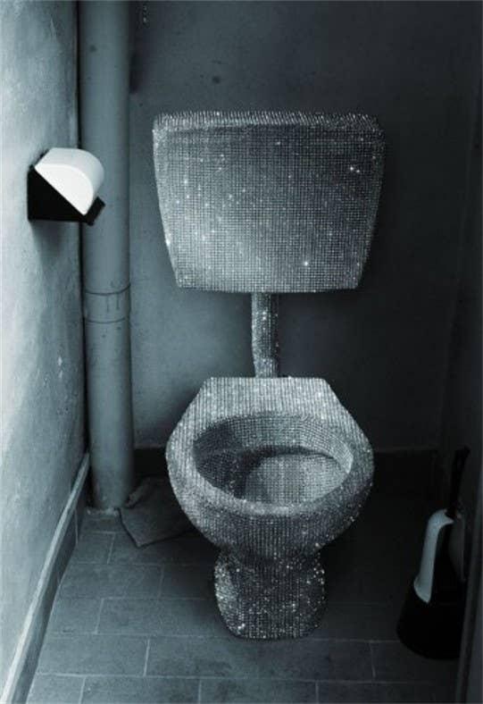 white sparkle toilet seat. Glitter Toilet 24 Totally Bizarre Decorated Toilets