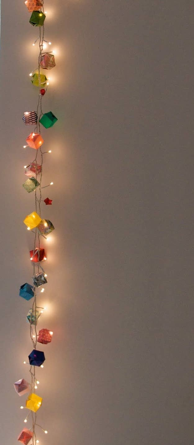 46 Awesome String Light Diys For Any Occasion How To Fix Christmas Strings Instead Of Putting Lights In The Boxes You Could Just Intertwine Them With An Origami