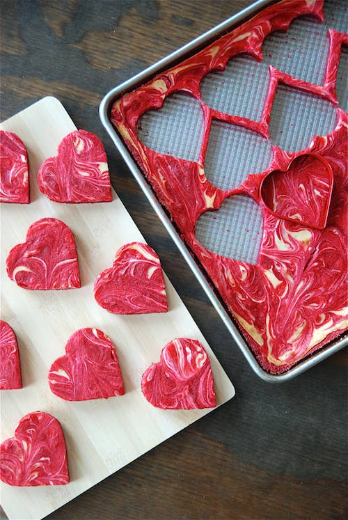 15 marbled red velvet cheesecake hearts