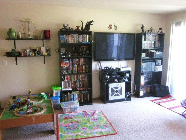 20 Signs You Grew Up In A Geek Household