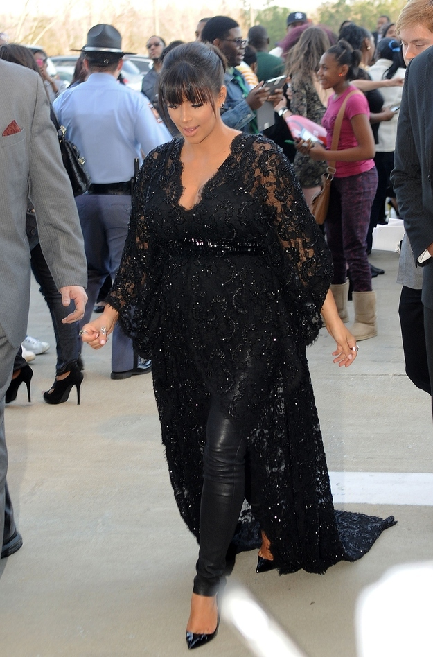 As your due date nears, try wearing your favorite leggings under a glamorous sparkly mourning robe.