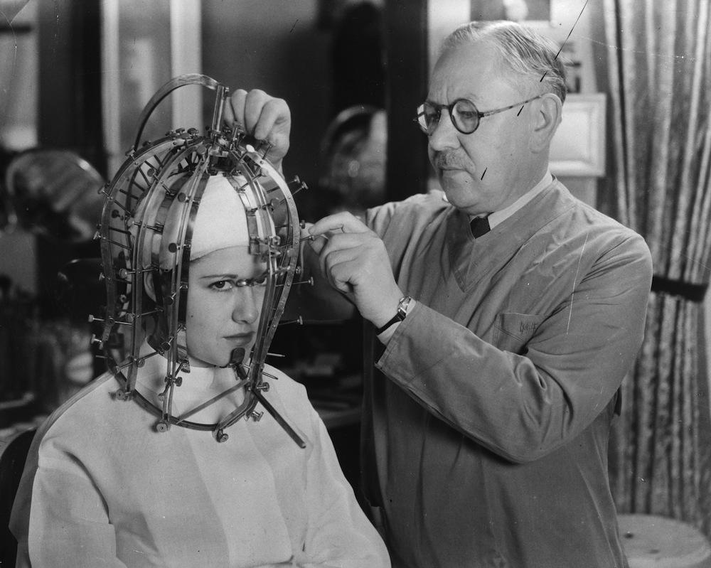 11 Weird Beauty Methods Of The Past