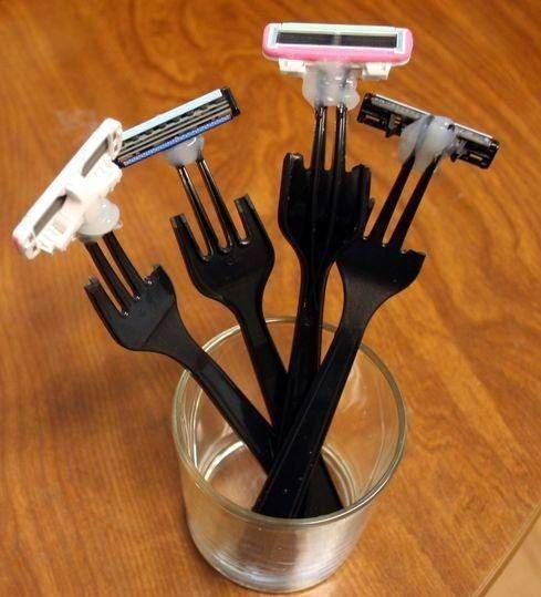 Plastic Fork Razors