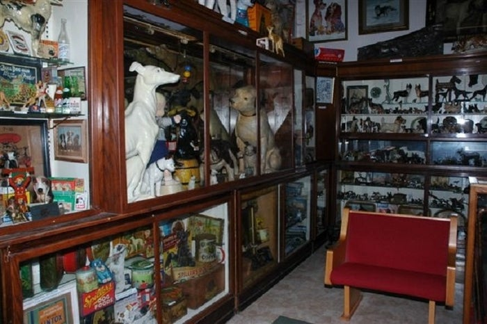 If you're a dog enthusiast, welcome to heaven! The Dog Museum is truly one of a kind. It features seven THOUSAND dog-centric items on display. They have everything from dog salt and pepper shakers to a taxidermied bulldog from the 1800s…no, I'm not kidding. It's truly something you might have to see to believe.