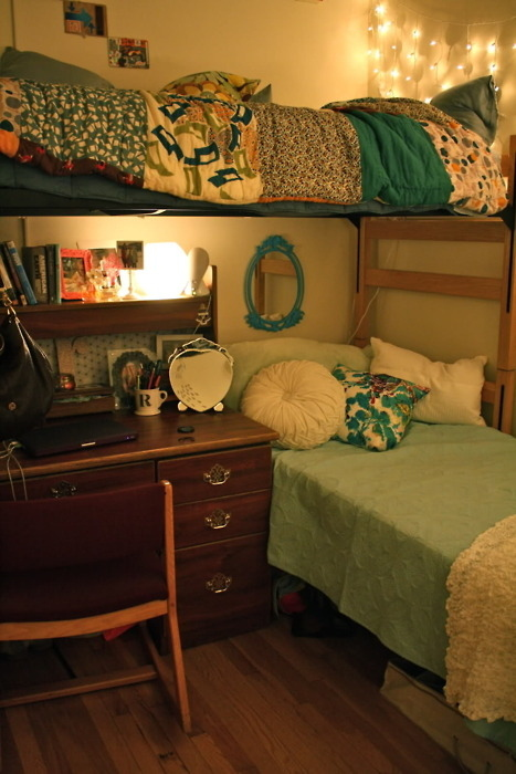 Gallery For > Triple Dorm Room Layout Ideas ~ 202232_Dorm Room Ideas Buzzfeed