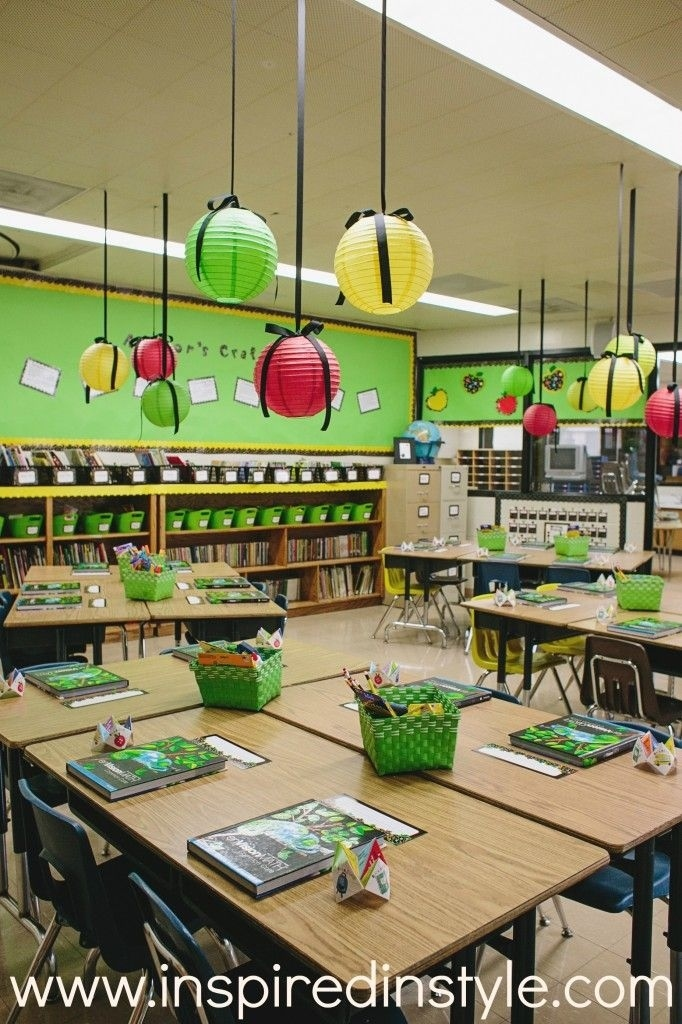36 clever diy ways to decorate your classroom rh buzzfeed com Pinterest Classroom Decorating Ideas Carneval Classroom Decorations