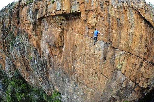 O escalador britânico John Roberts na África do Sul.