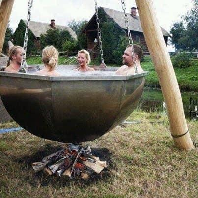31 redneck diys that are borderline genius 1 boiler pot hot tub solutioingenieria Choice Image