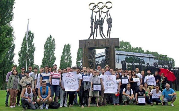 All Out traveled to Switzerland to personally deliver the petition along with a letter from Stephen Fry that condemns the current laws in Russia.