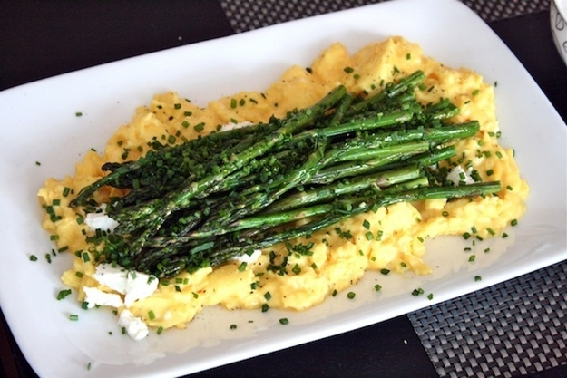 Goat Cheese And Asparagus Scrambled Eggs